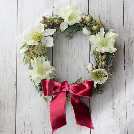 【クリスマス】クリスマスローズとバラのホワイトクリスマスリース