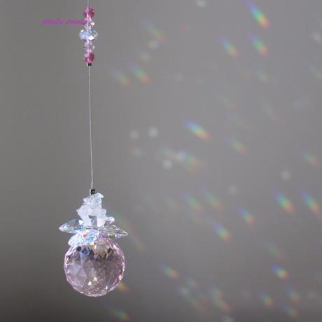 スワロフスキーと天然石のキラキラサンキャッチャー(ピンク)