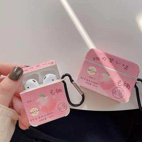Momo labels airpods case