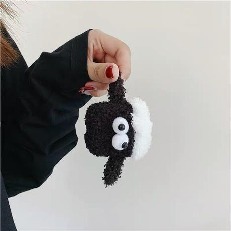 Black sheep fur airpods case