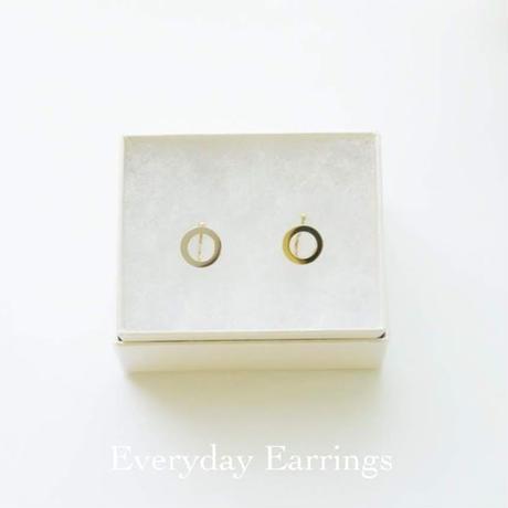 dot.小さなまるのイヤリング