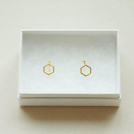 kikkou.小さな六角形のイヤリング (ゴールド)【E38-332G】