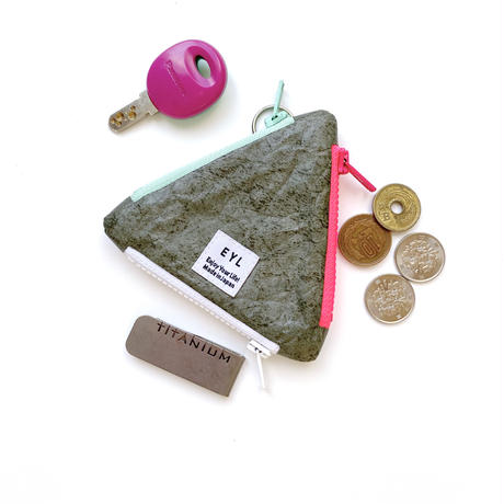 EYL triangle coin purse Tyvek Olive