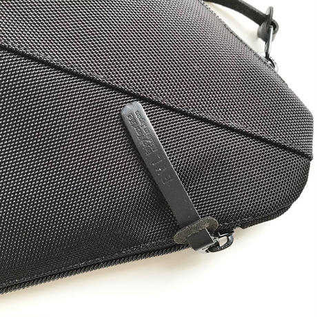 "EYL Big Pouch ""Black"""