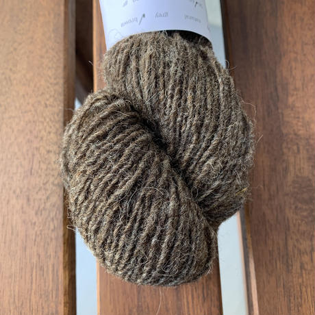 Moeke yarns  Elena  single  Brown 60gかせ