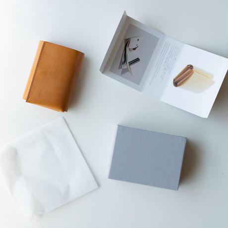 しっかり入ってコンパクトな財布 TRI-FOLD WALLET / BLUE