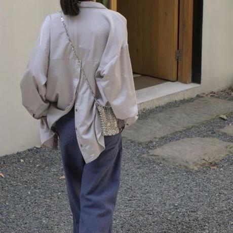 サテンオーバーシャツ
