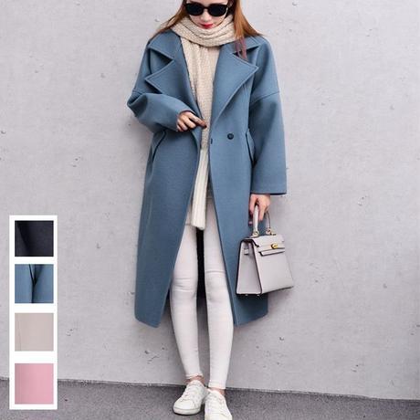 シンプルデザインと淡いカラーがかわいいウールコート