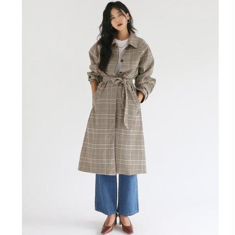 秋冬カラーのチェック柄がかわいいロング丈ステンカラーコート