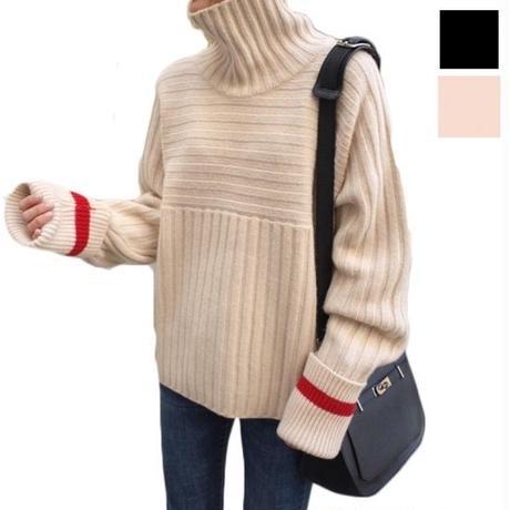 袖のラインや、縫い方のパータンを変えたオシャレなセーター
