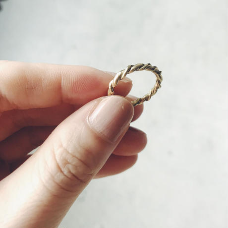 Another Feather thin rope  ring