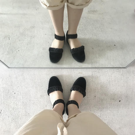 F- TROUPE  velvet strap shoes