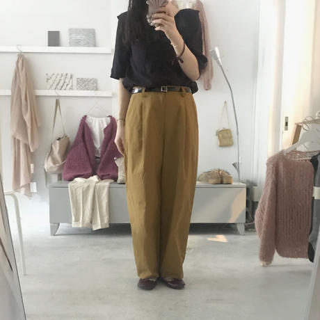 KAIKI tuck long pants