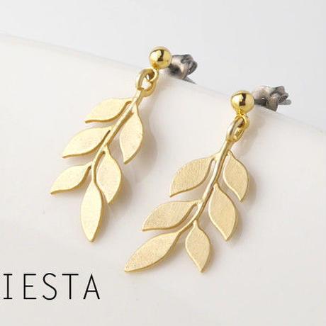 mat leaf ピアス