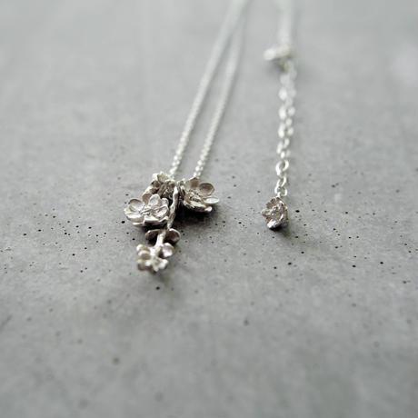 """bouquet necklace"" wh/sv silverdallar+melampo"