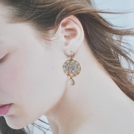桜の花びら ピアス/イヤリング