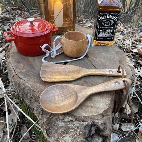 木製のマグカップ