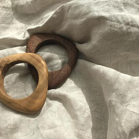 triangle wood bangle (2color)