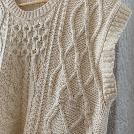 over cable knit best [TOP19AW0087]
