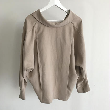 dolman sleeve skipper blouse