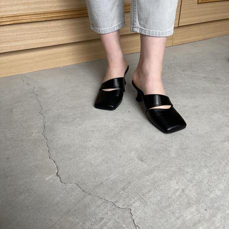 square toe belt mule