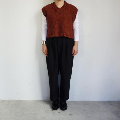 comm.arch. Hand Framed Brit Vest (bricks)