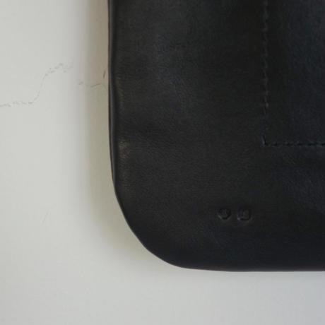 ARTS&CRAFTS FLAT SHOULDER (black)