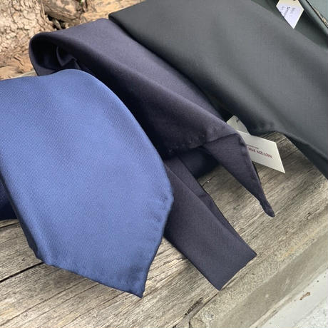 Atto Vannucci(アット ヴァンヌッチ) Solid navy【Settepieghe】90400