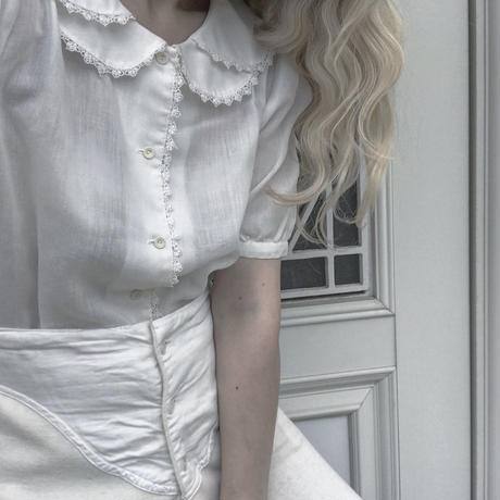 white double collar blouse