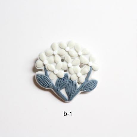 魚谷あきこ お花ブローチ B