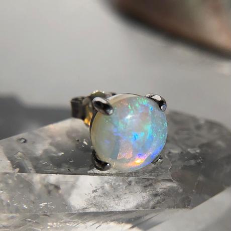 天然オパールシルバー(ロジウムコーティング)片耳ピアス☆オーストラリア・ライトニングリッジ産原石から磨いた1点もの!