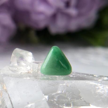 天然翡翠14kgf片耳ピアス☆ミャンマー産の原石から磨いた1点もの!