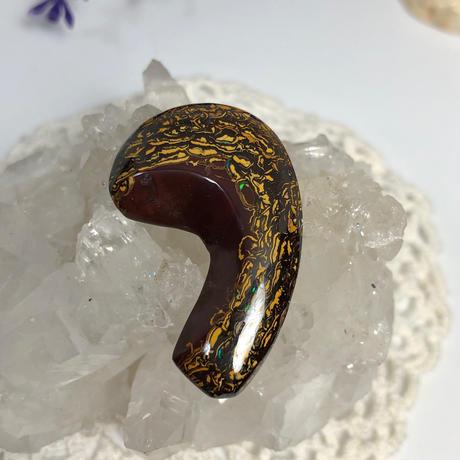 天然ボルダー(アイアン)オパールのブローチ☆ オーストラリア・Yowah産の原石から磨いた1点もの!