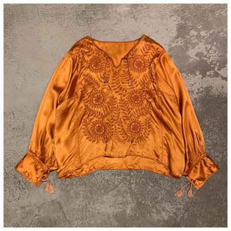 【レディース】1960s シルク刺繍ブラウス