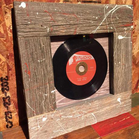 Handmade Vinyl Frame #15