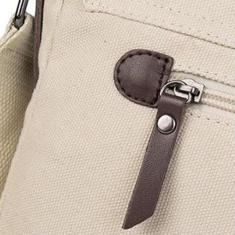 海外 ブランド 人気  ショルダーバック クロスボディバック レディース 肩掛け 斜め掛け 可愛い トトロ キャラクター キャンバス バック ポケット収納 携帯 通勤 通学 A4 軽量 ポケット