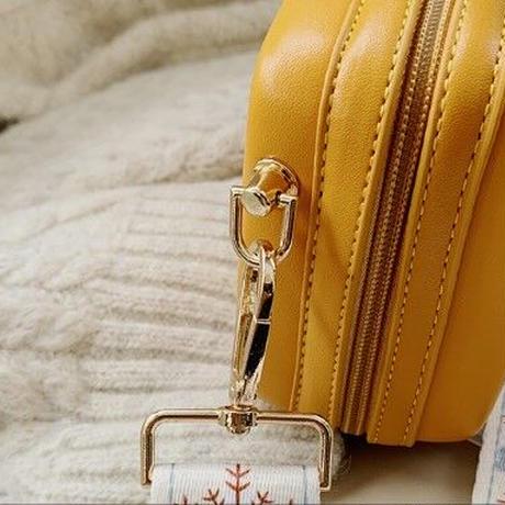 3Color 海外ブランド 人気  オシャレ ミニ ショルダーバッグ 可愛い くまのプーさん レディース 大人可愛い フェミニン 使いやすい レザー ディズニー バック 黄色 緑 黒 B2216