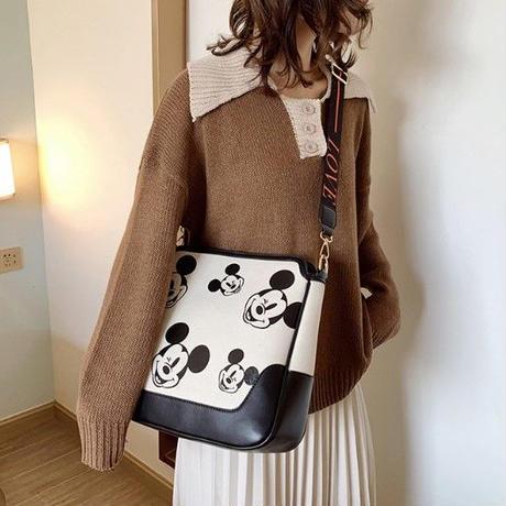 2Color 海外ブランド 人気  オシャレ 可愛い ミッキーマウス ショルダーバック レディース 大人可愛い フェミニン ディズニー レザー 安い バック 黒 白 B1978