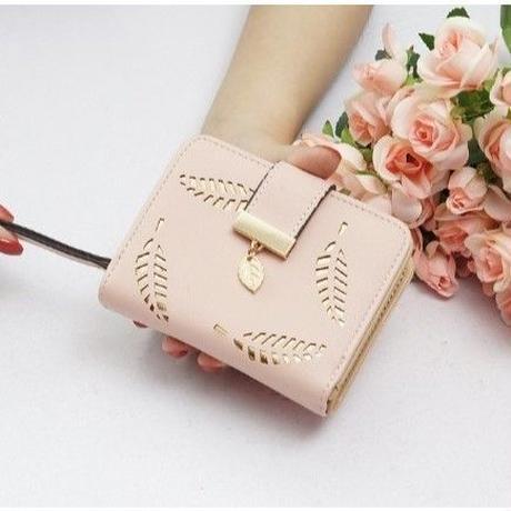 5Color 海外 ブランド 人気 二つ折り 財布 レディース リーフ 革 シンプル 使いやすい キレイ コーデ おしゃれ おすすめ  クラッチ カジュアル フェミニン 安い