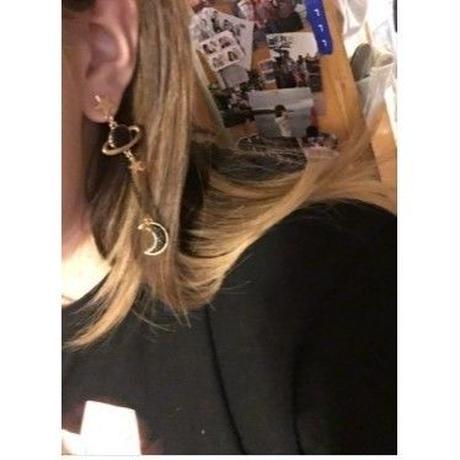 海外 ブランド 人気 ピアス イヤリング レディース 可愛い 星 月 ゴールド 左右非対称 両耳 ゴスロリ パンク カジュアル フェミニン コーデ 安い プチプラ
