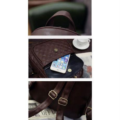 4Collar 海外 ブランド 人気  おしゃれ バックパック 3点セット レディース ポーチ カードケース クマチャーム キルティング 大人可愛い 上品 リュック 海外輸入品 安い B55