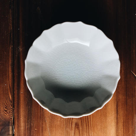 菊小鉢 120mm / 貫入白磁  (KATAKUTANI)