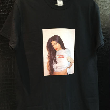 【World wide Famous】KYLIE  Tシャツ