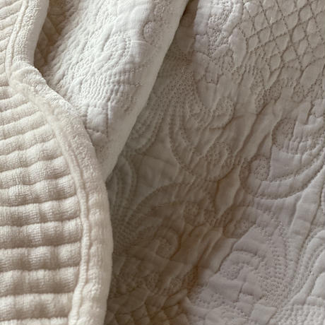 ホワイトフランネルマルチキルトカバー140x200cmシングルサイズ