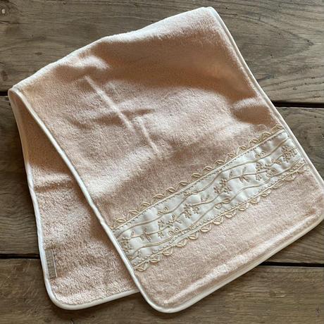 コード刺繍ハンドタオル