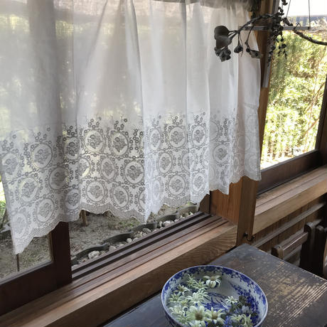 ローズ刺繍コットンカフェカーテンU1