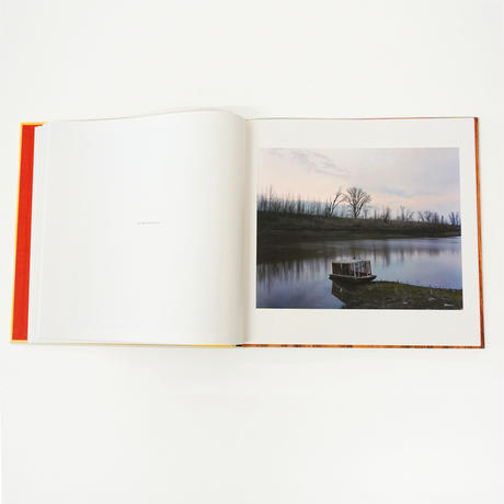 Alec Soth『Sleeping by the Mississippi』