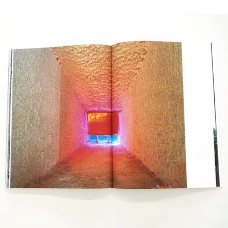 ホンマタカシ『Looking Through  Le Corbusier Windows』