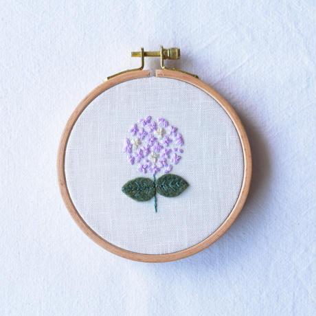 紫陽花の刺しゅうキット&動画でワークショップ