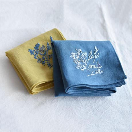 手刺繍のリネンハンカチーフ